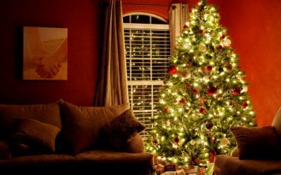 5 Safety Tips For Holiday Decorating